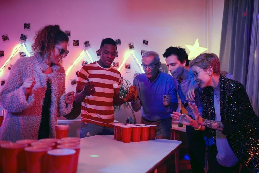 Øl bong er en blandt mange populære julefrokost lege